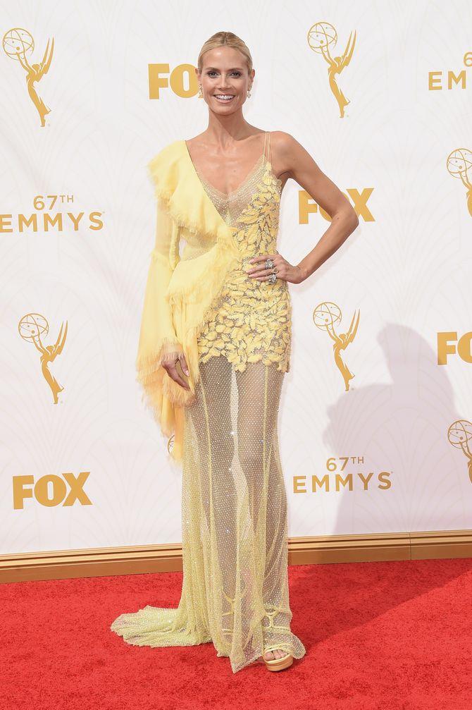 Heidi Klum en Atelier Versace pour les Emmy Awards 2015