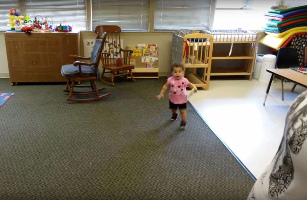 Dieses kleine Mädchen sieht endlich seinen Papa wieder - und flippt völlig aus!