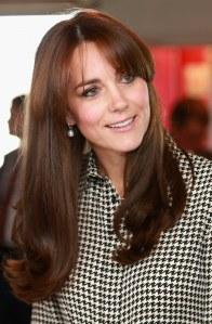 Ponyfrisuren für herzförmige Gesichter: Herzogin Kate