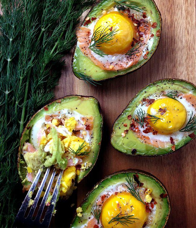 Resultado de imagem para Abacate recheado com salmão e ovo