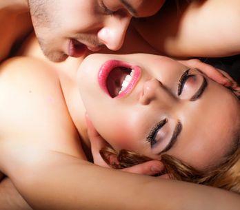 12 idées testées et approuvées pour faciliter l'orgasme