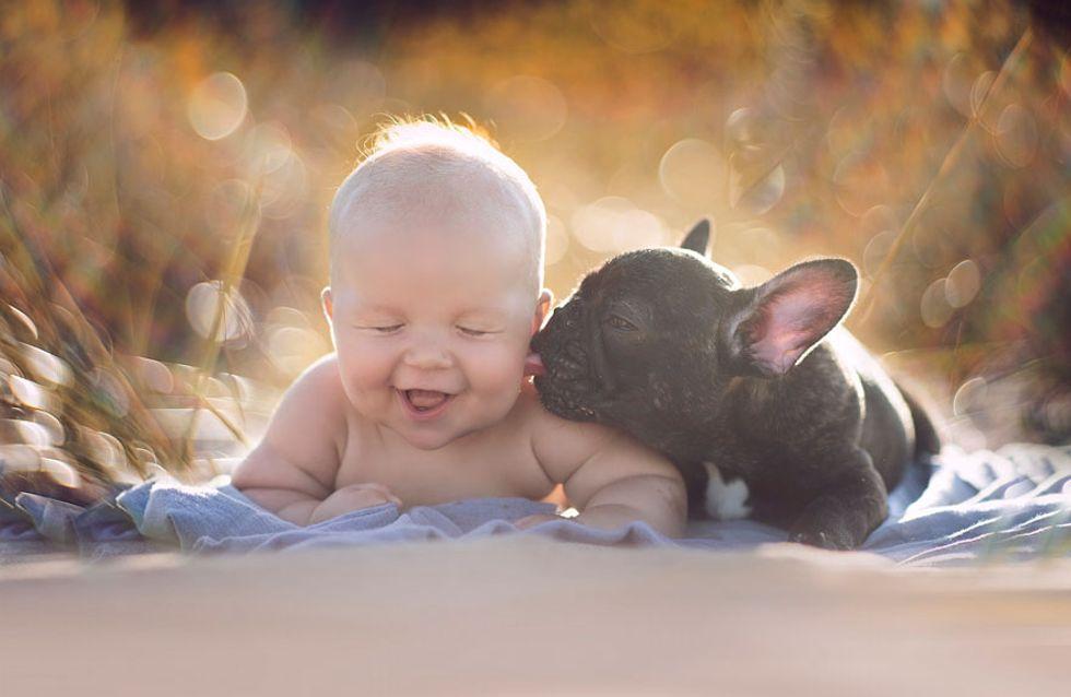 Nés le même jour, ce chiot et ce bébé ont une relation incroyable (photos)