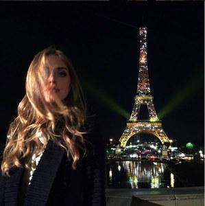 Arrivée de Chiara à Paris pour la Fashion Week