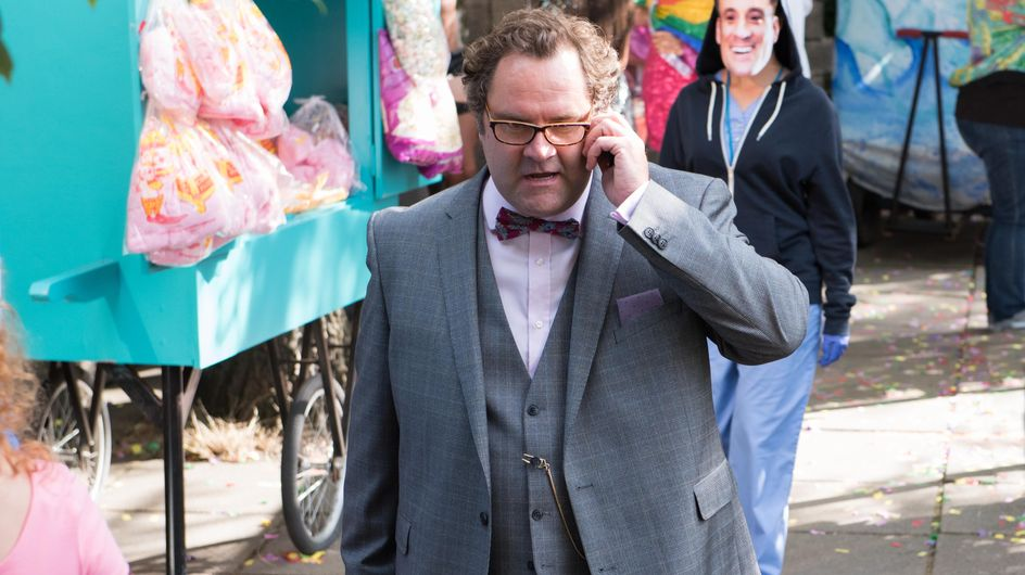 Hollyoaks 20/10 - Dr S'Avage is shocked when he finds out who the Gloved Hand is