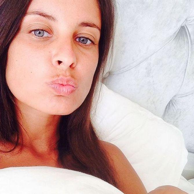 Malika Ménard sans maquillage