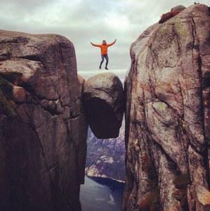 Le rocher de Kjeragbolten