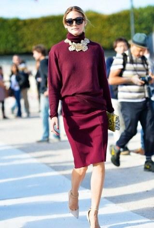 Come indossare e abbinare il color borgogna | Stivali sopra