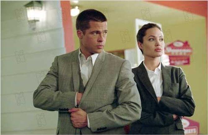 Brad Pitt et Angelina Jolie dans Mr & Mrs Smith.