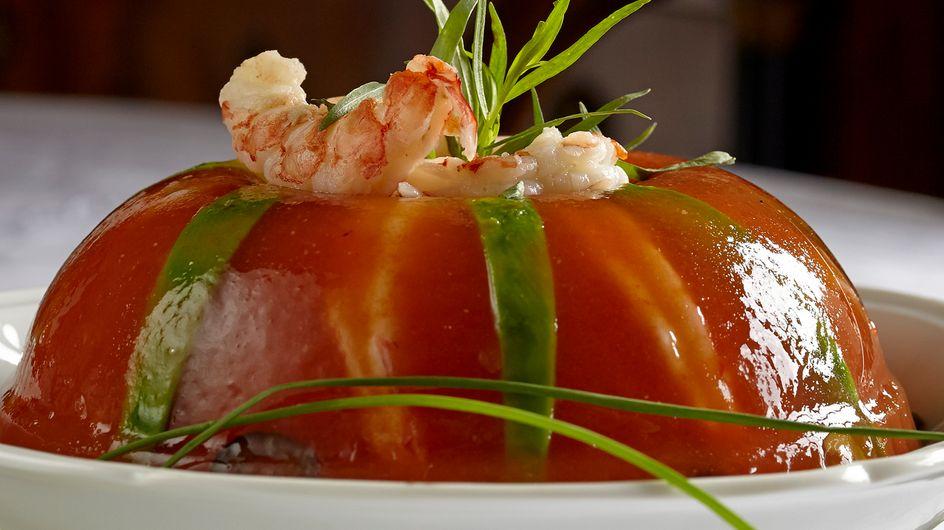 Aspic con pomodori, gamberi e avocado il Cavallo di Battaglia in cucina di Gretchen Romig Crosti