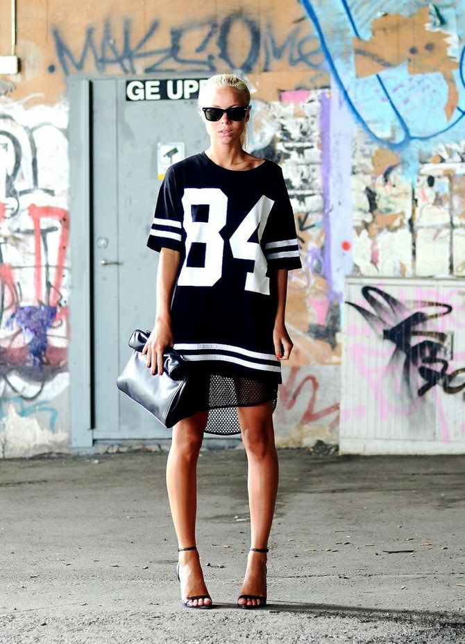Cosa indossare per un look sporty chic