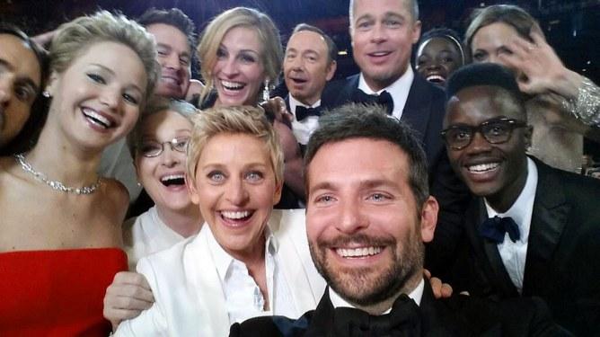 """El """"selfie"""" de los Oscar"""