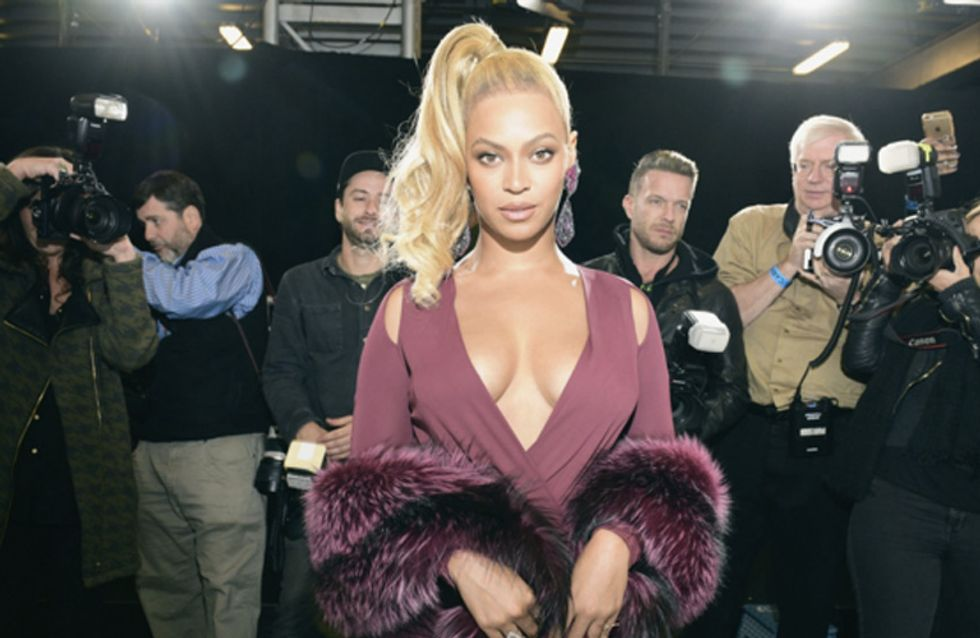 Beyonce Shuts Down Assistant Who Was Helping Adjust Her Dress On The Red Carpet