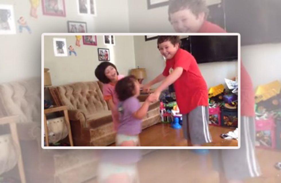 Zur Beerdigung ihrer drei Kinder zeigt diese Mutter ein herzzerreißendes Video