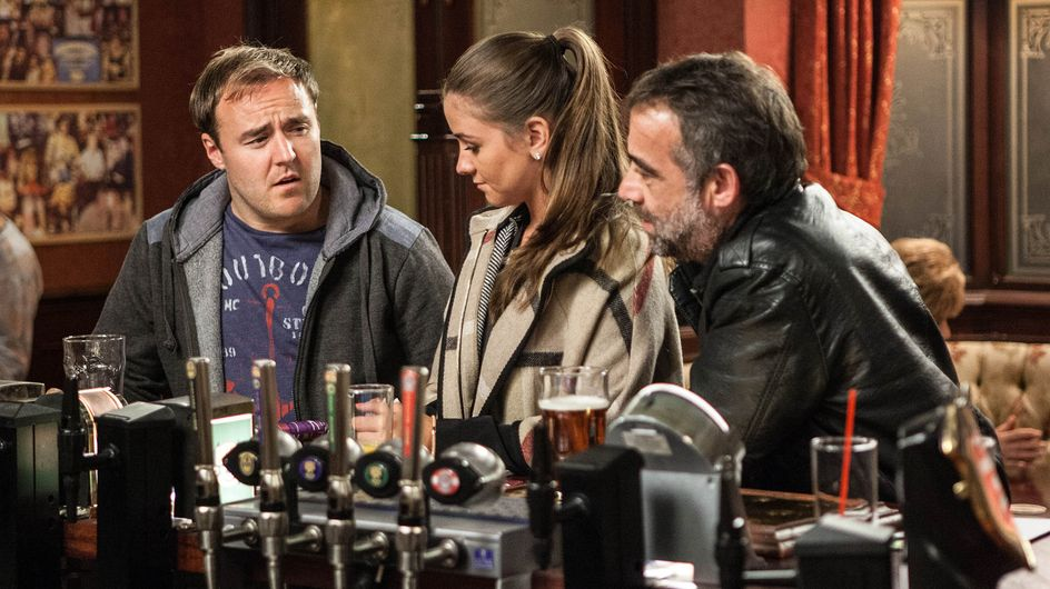 Coronation Street 04/11 - Tony causes friction in The Rovers