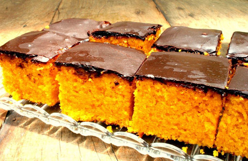 Receita de bolo de cenoura com chocolate e zero lactose. Delícia!