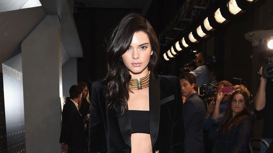 Kendall Jenner fait le buzz avec une coloration rose ! (Photos)