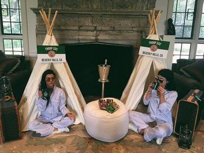 Kourtney Kardashian et Kylie Jenner.