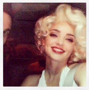 Miranda Kerr en Marilyn Monroe.