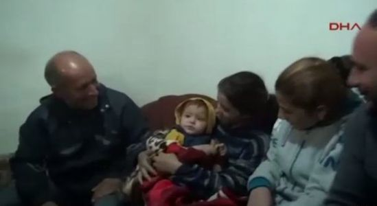 Le bébé syrien et sa famille