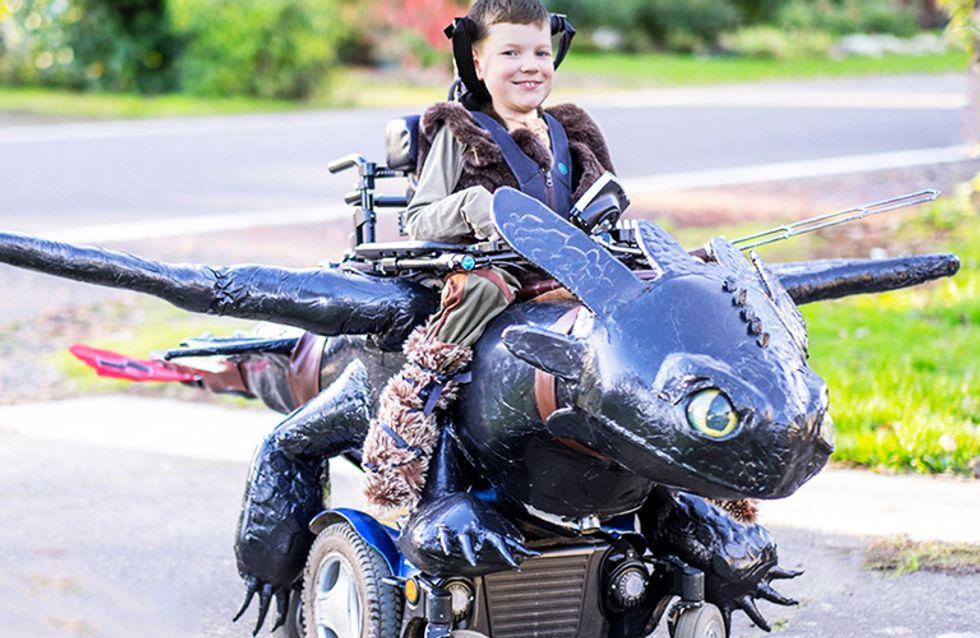 Un padre diseña increíbles disfraces adaptados para niños en sillas de ruedas