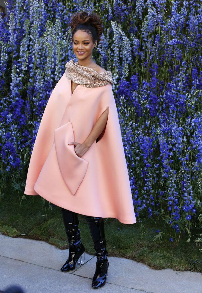 Rihanna en cuissardes Dior