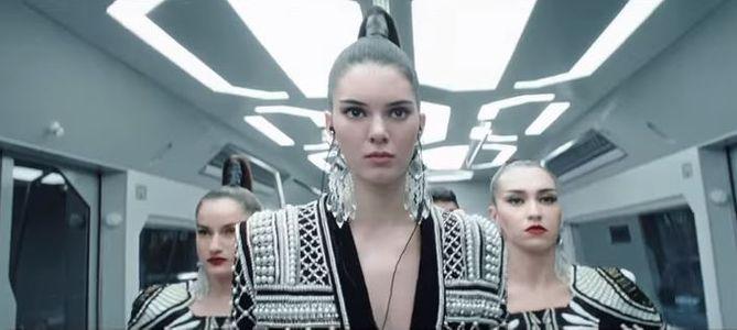 Kendall Jenner, star du clip Balmain pour H&M (Vidéo)
