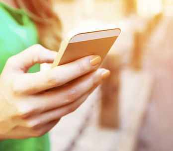 15 Gedanken, die du garantiert kennst, wenn du deinen Ex auf Facebook stalkst