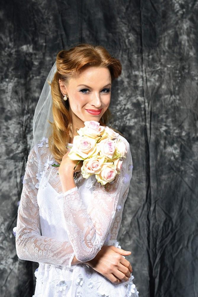 Elegante Brautfrisur mit Schleier