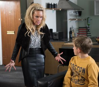 Hollyoaks 11/11 - Grace takes Charlie to her flat to get answers