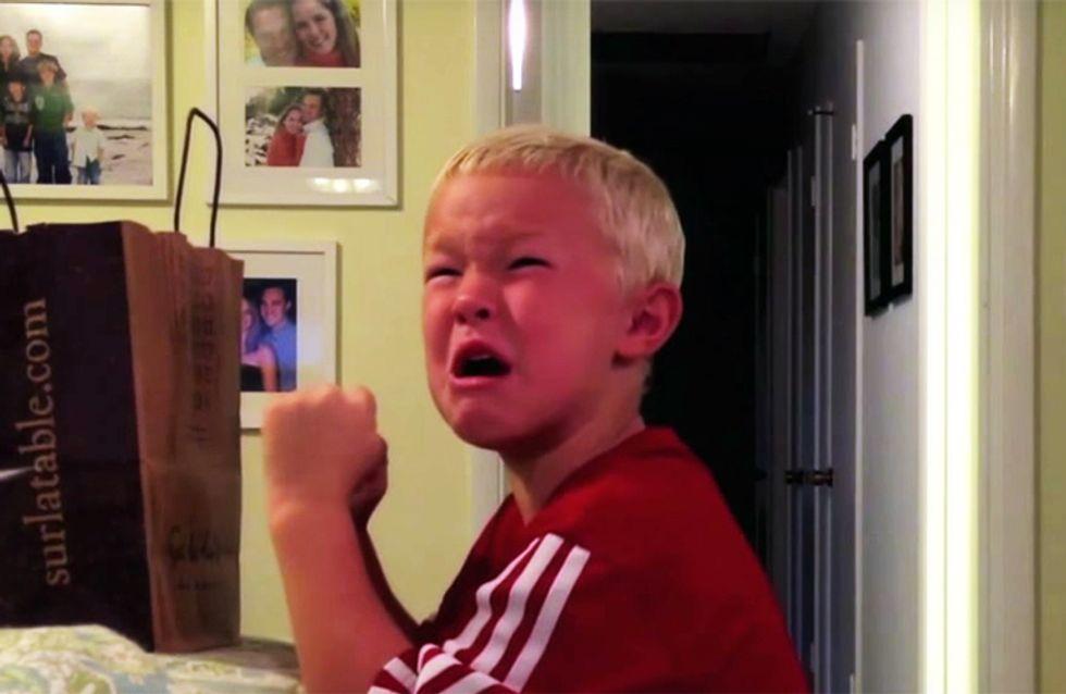 Así reaccionan los niños cuando sus padres les dicen que se han comido todos sus caramelos de Halloween