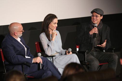 Angelina Jolie et Brad Pitt complices.