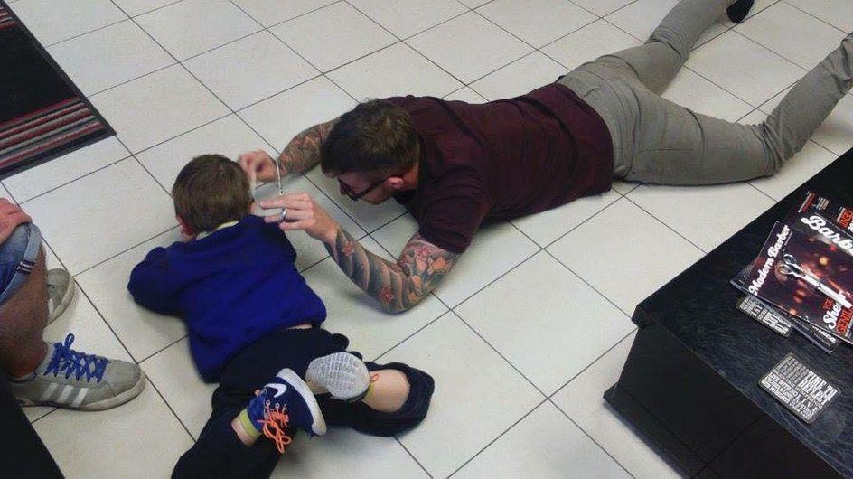 Ein Frisörbesuch ist für diesen autistischen Jungen die Hölle - doch dann passiert DAS