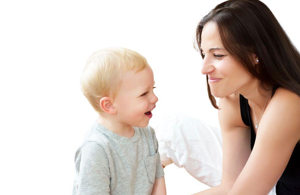 Votre bébé prononce ses premiers mots : toutes nos astuces pour l'aider !