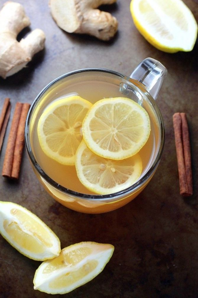 Heißer Ingwertee mit Zitrone und Zimt wärmt von innen heraus