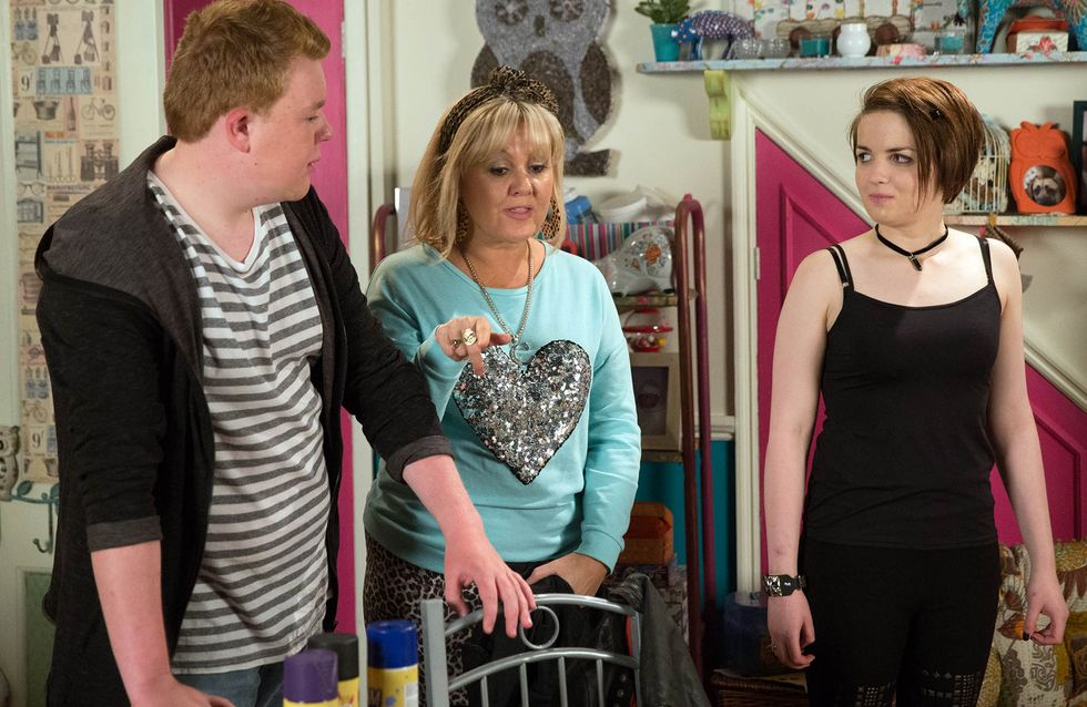 Coronation Street 20/11 - Leanne prepares for the hardest goodbye of her life