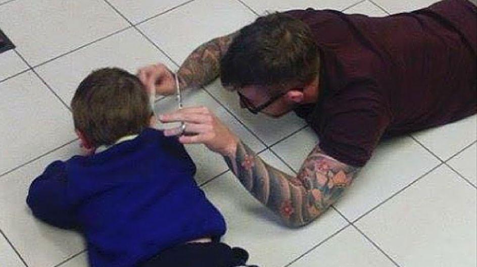 Ecco come questo parrucchiere ha aiutato un bambino autistico
