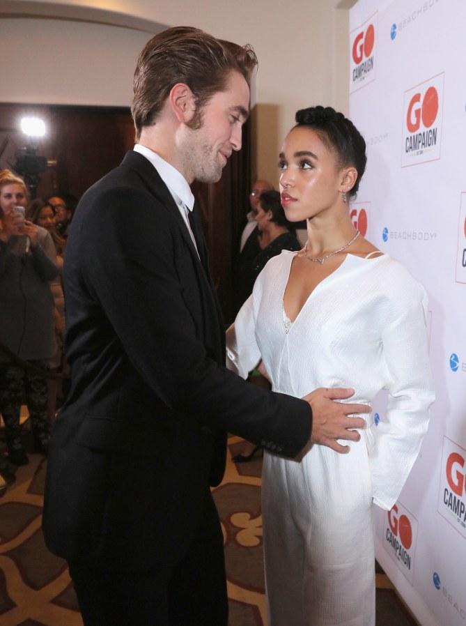 Robert Pattinson et FKA Twigs amoureux.