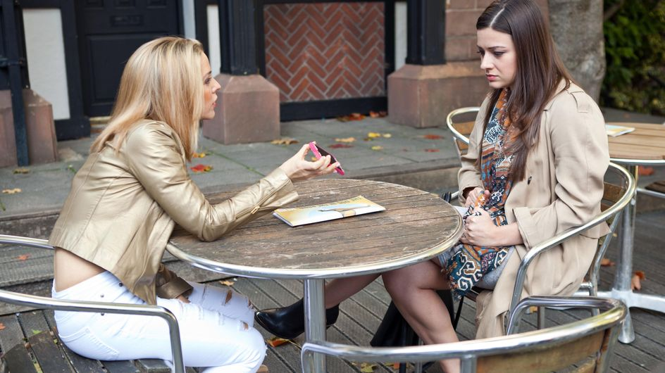Hollyoaks 23/11 - Mac hides his and Cindy's fake divorce papers