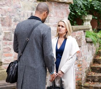 Hollyoaks 27/11 - Joanne turns up at Louis' door