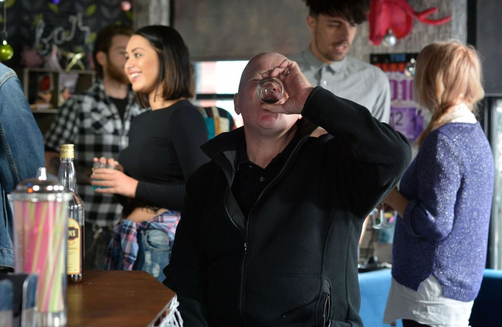 Eastenders 24/11 - The Mitchell family reel from Ronnie's arrest