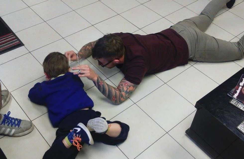 This Hairdresser Found A Brilliant Way To Cut Frightened Autistic Boy's Hair