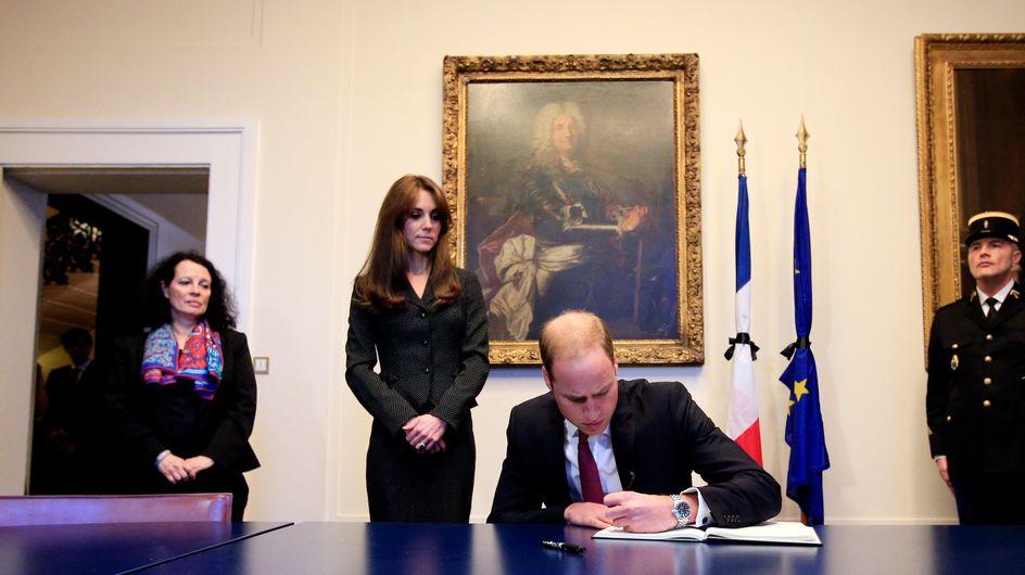 L'hommage de Kate Middleton et du prince William aux victimes des attentats à Paris (Photos)