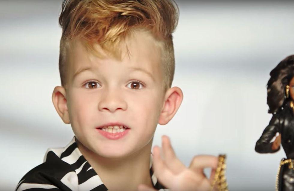 Adieu Geschlechterrollen! Wie ein kleiner Junge dank Barbie jetzt Geschichte schreibt
