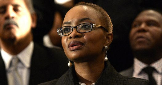 La belle-fille de Nelson Mandela battue et partiellement