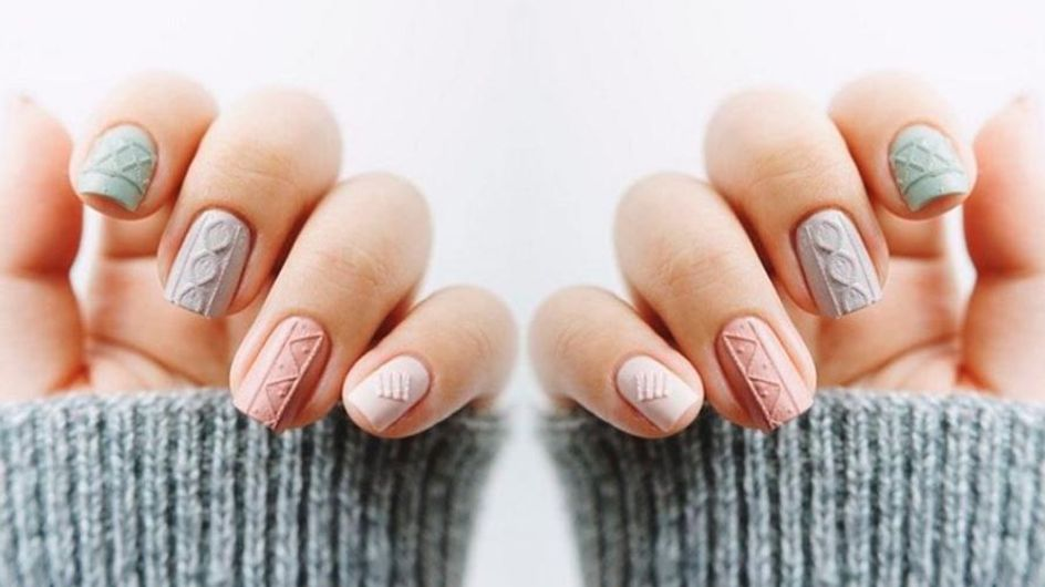 Keep Your Fingertips Warm This Winter With Knitted Nail Art