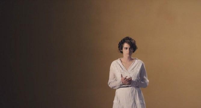 Kristen Stewart incarne Gabrielle Chanel pour la collection Métiers d'Art 2015-2016