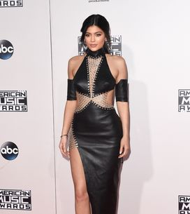 Les stars se dénudent aux American Music Awards 2015