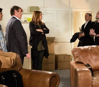 Coronation Street 30/11 - Sarah returns to Weatherfield with a bang
