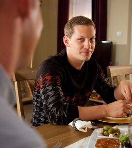 Hollyoaks 3/12 - Holly confronts Robbie