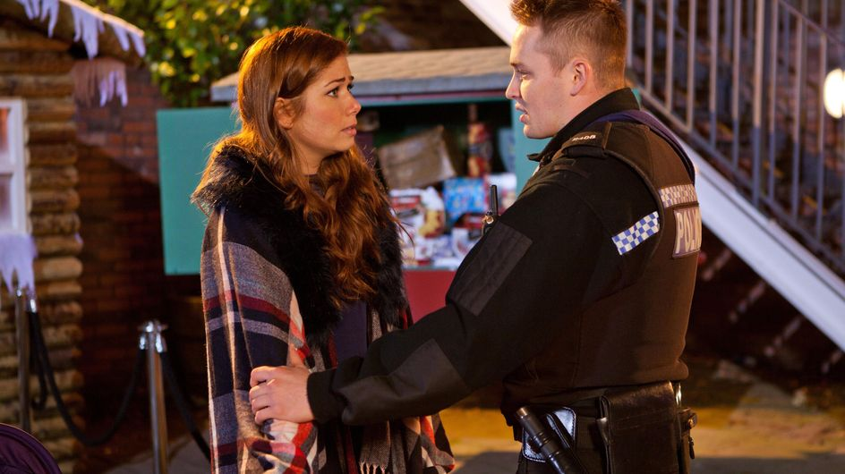 Hollyoaks 11/12 - Cleo is furious when she finds photos of Jade